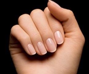 De beaux ongles, oui, mais comment?