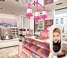 boutique Bourjois