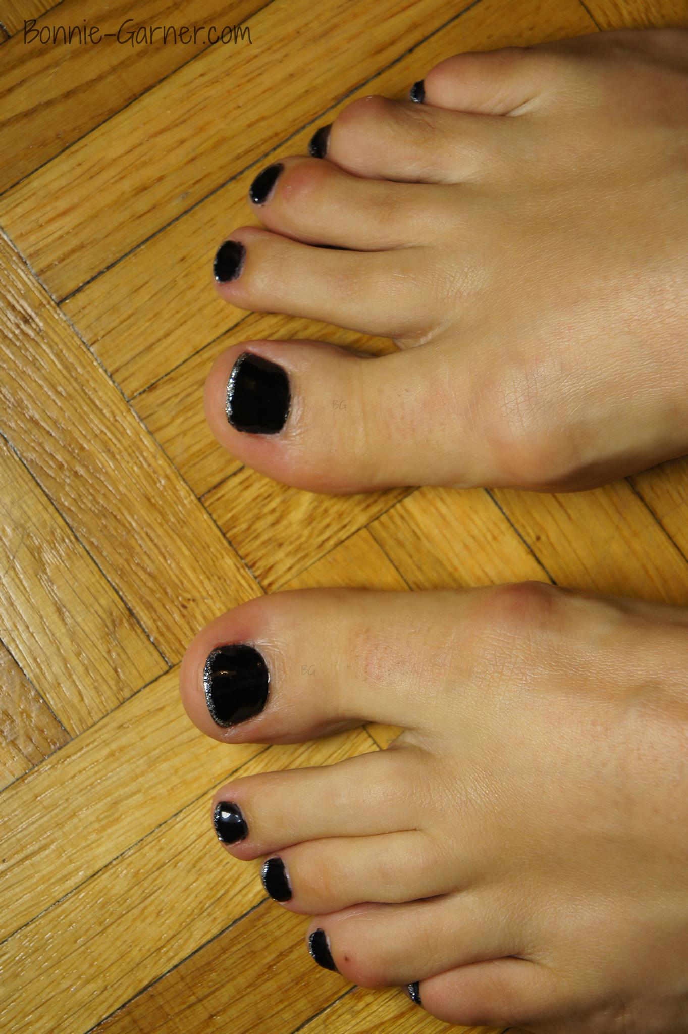 Vernis semi permanent et pon age attention danger bonnie garner soins ongles maquillage - Ongle en gel pied ...