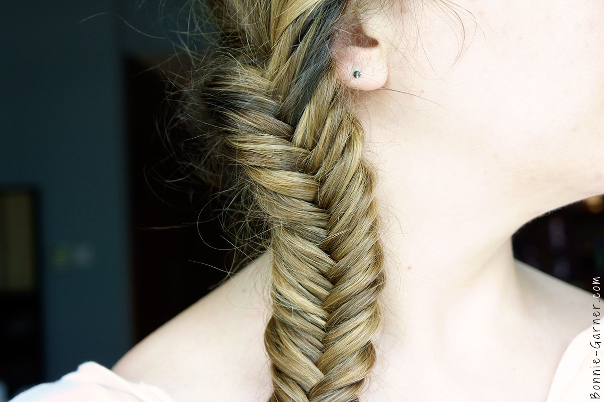Fishtail braid + Batiste XXL Plumping Powder