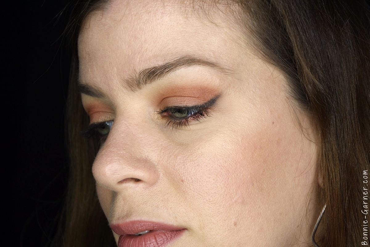 Anastasia Beverly Hills Shadow Couture World Traveler eyeshadow palette makeup look: soft peach, morocco, fudge, bellini, chic
