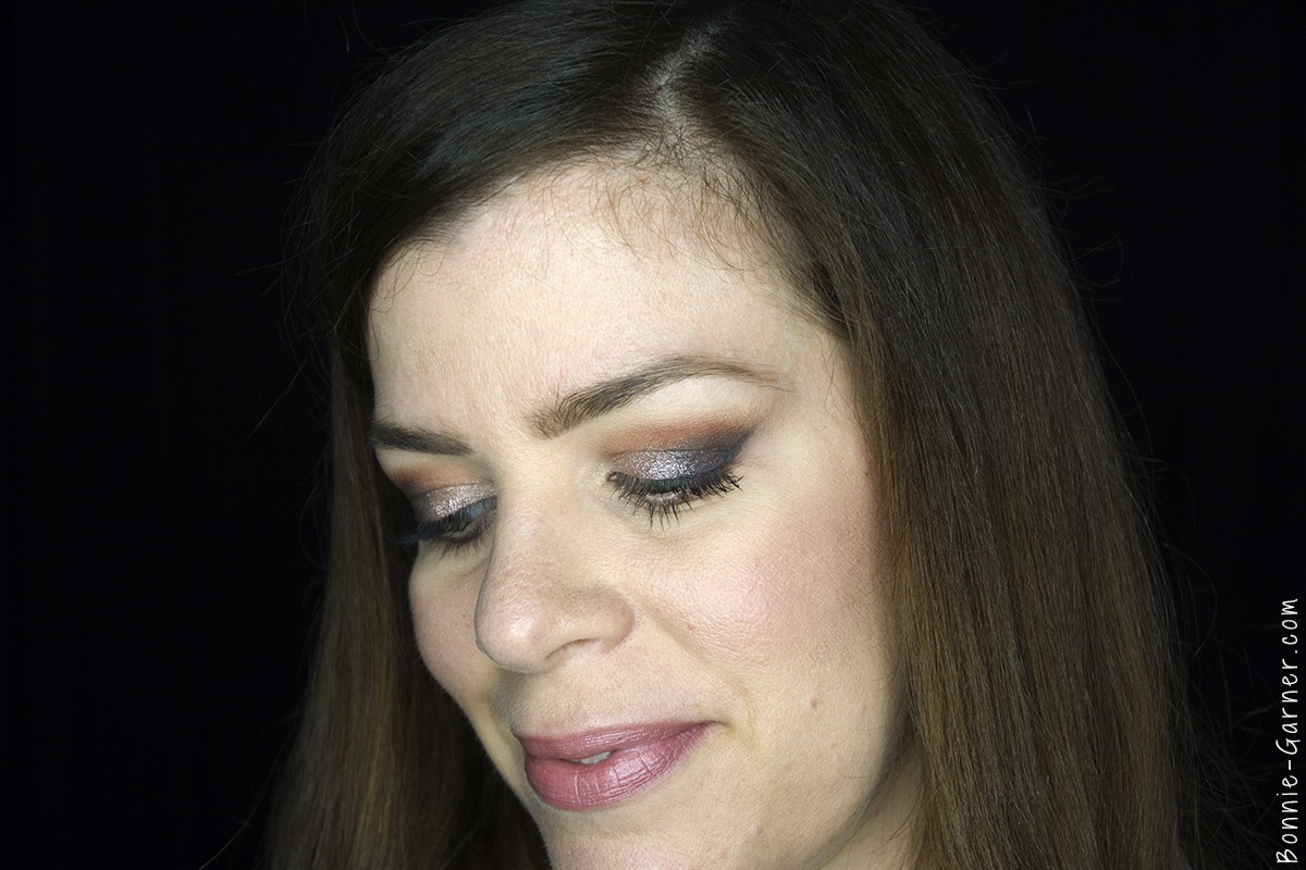 Anastasia Beverly Hills Shadow Couture World Traveler eyeshadow palette makeup look: soft peach, morocco, fudge, heirloom, pink champagne, chic
