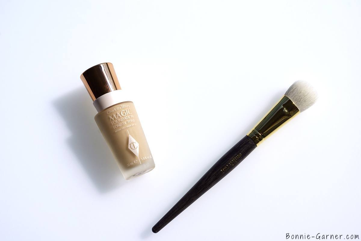 Charlotte Tilbury Magic Foundation Smith Foundation Brush