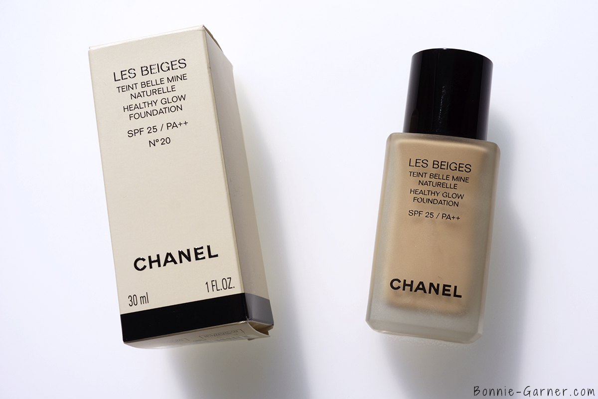CHANEL Les Beiges Healthy Glow Foundation N°20