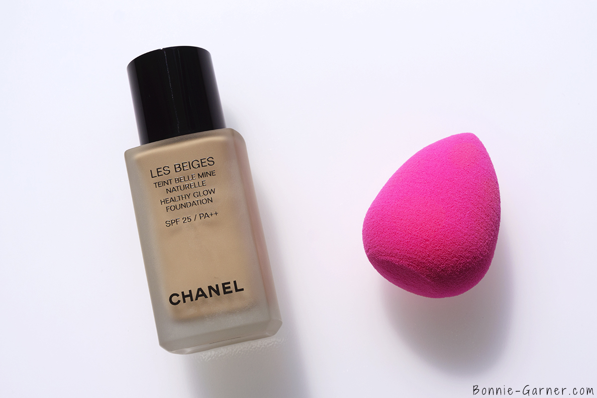 CHANEL Les Beiges Healthy Glow Foundation N°20 + Beauty Blender