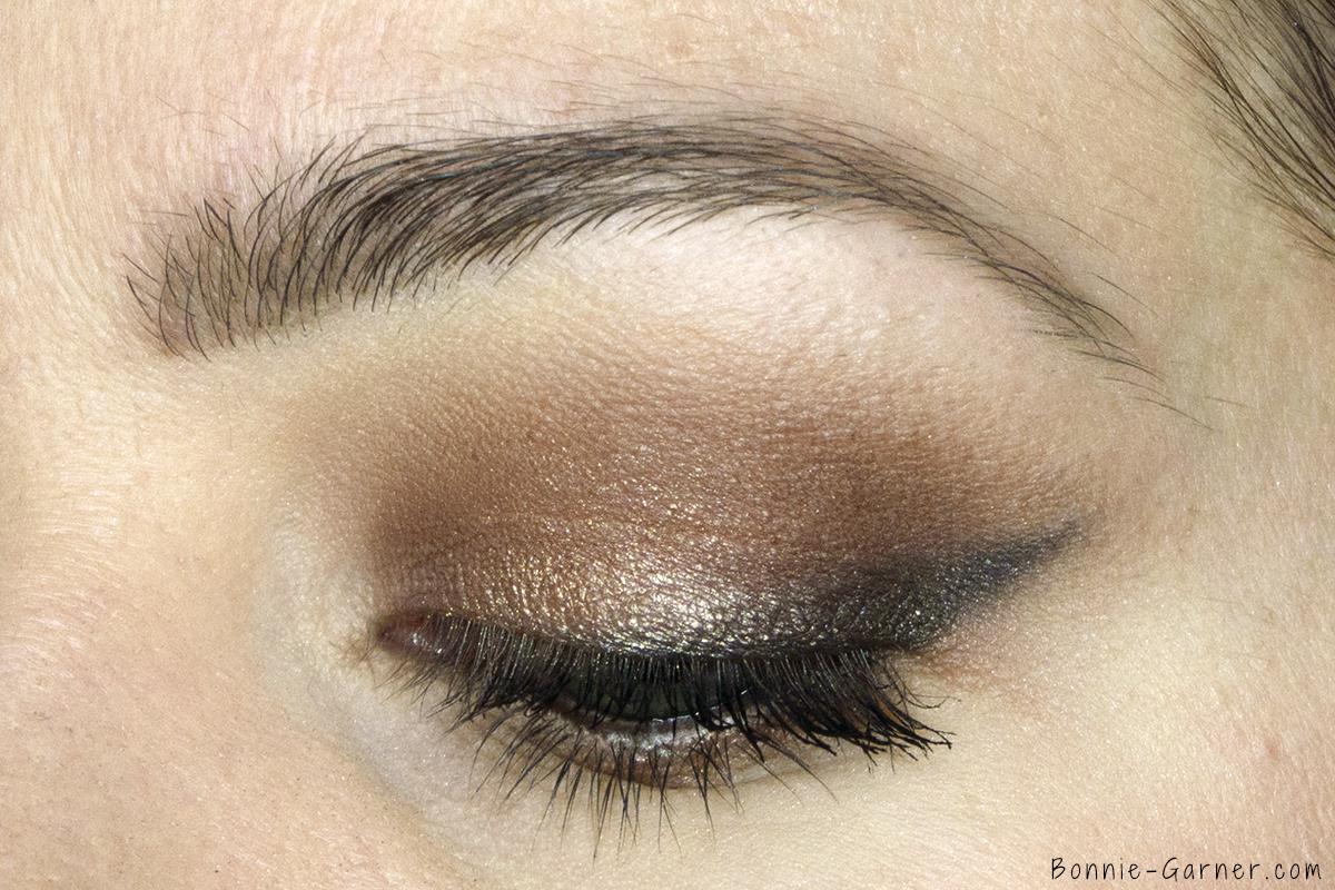 Too Faced Chocolate Bon Bons eyeshadow palette makeup look: Divinity, Mocha, Bordeaux, Molasses Chip, Satin Sheets