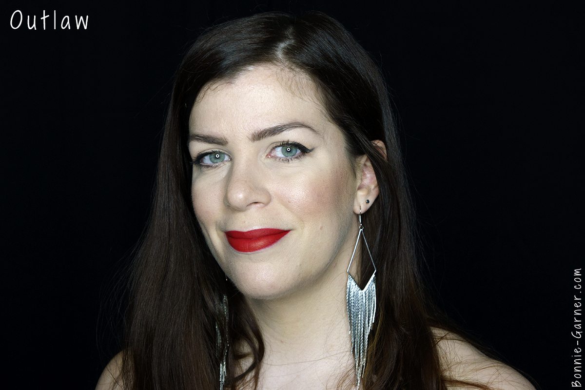 Kat Von D Everlasting liquid lipstick Outlaw