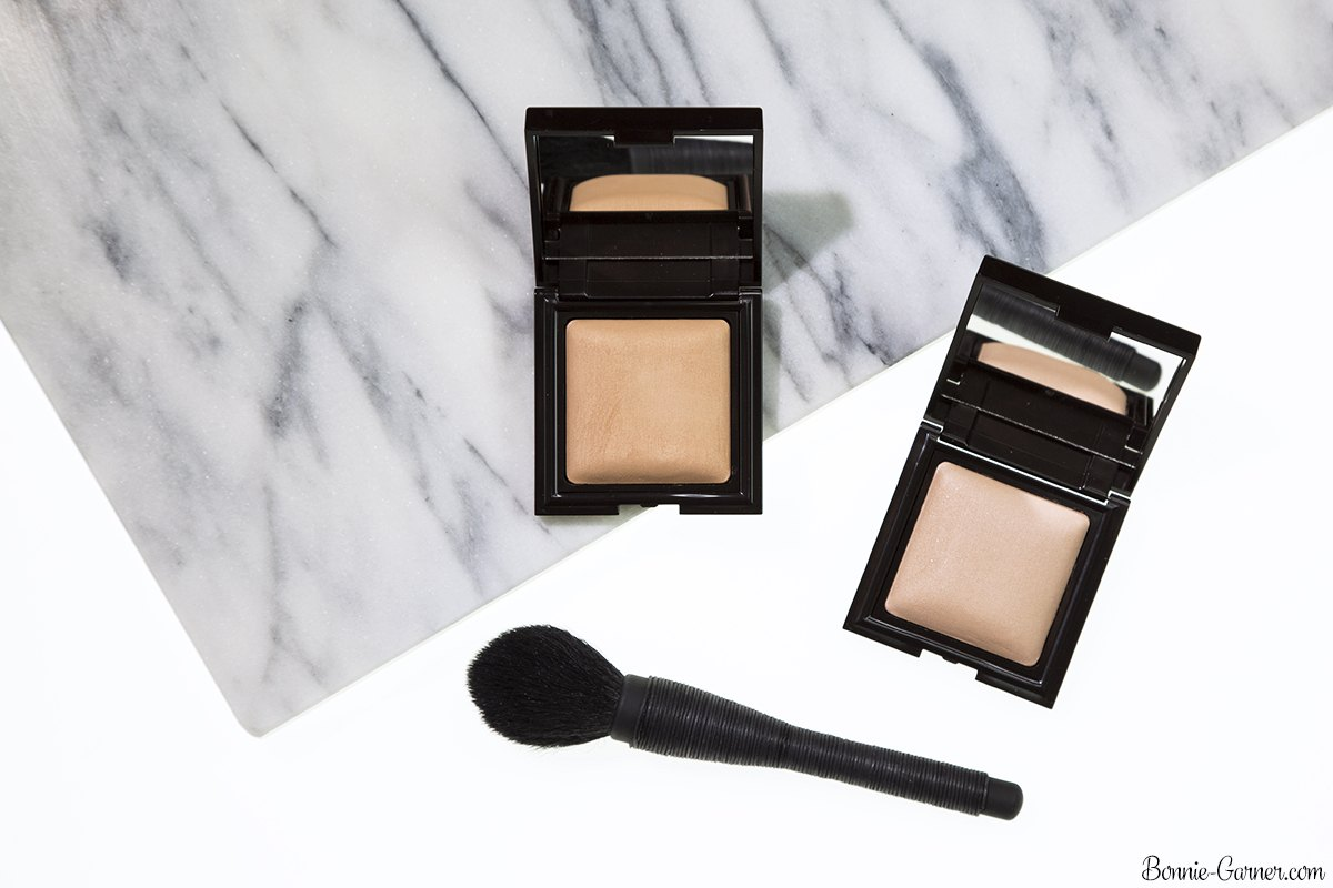 Laura Mercier Candleglow Sheer Perfecting Powder: 01 Fair, 02 Light