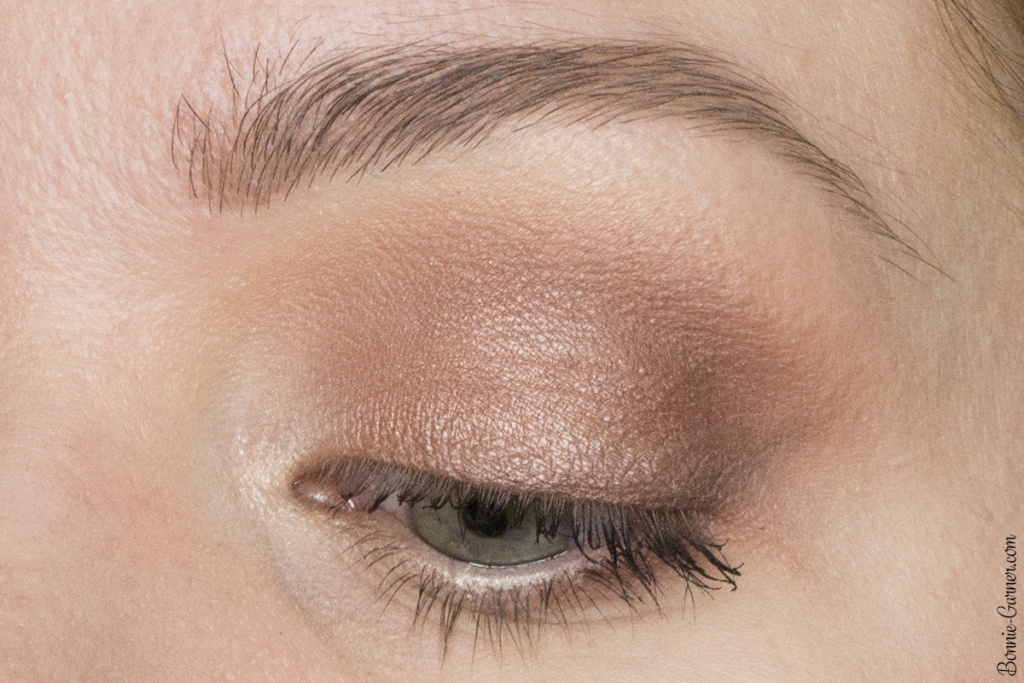Makeup Geek eyeshadows satin finish look zoom