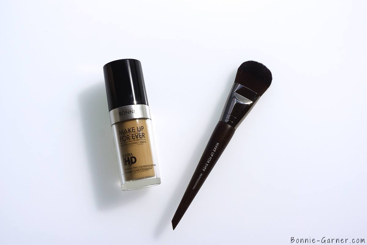 Make Up For Ever Ultra HD liquid foundation Y315 sand, flat foundation brush 108