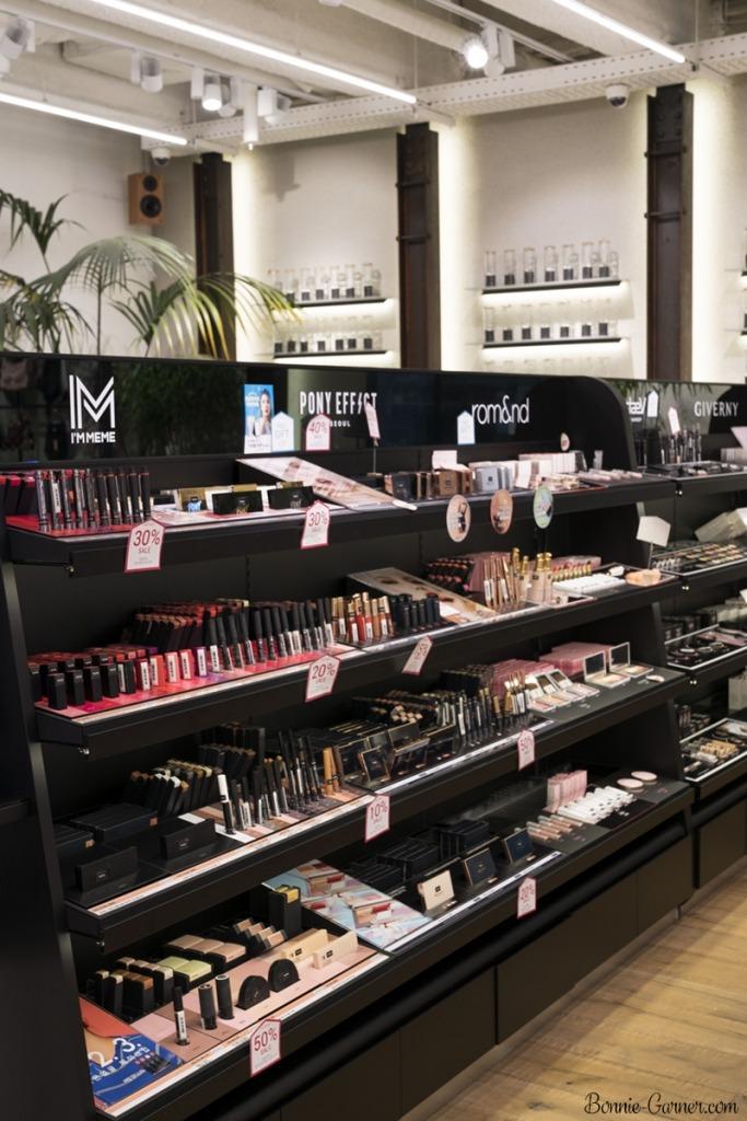Makeup Geek eyeshadows satin finish: Vanilla Bean, Bling, Rapunzel, Bleached Blonde, Homecoming, Pretentious, Bada Bing swatches